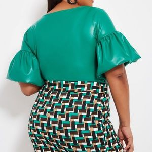 Plus Size  26/28 Green Bubble Sleeve Top